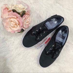 Size 9 Under Armour Street Encounter shoe
